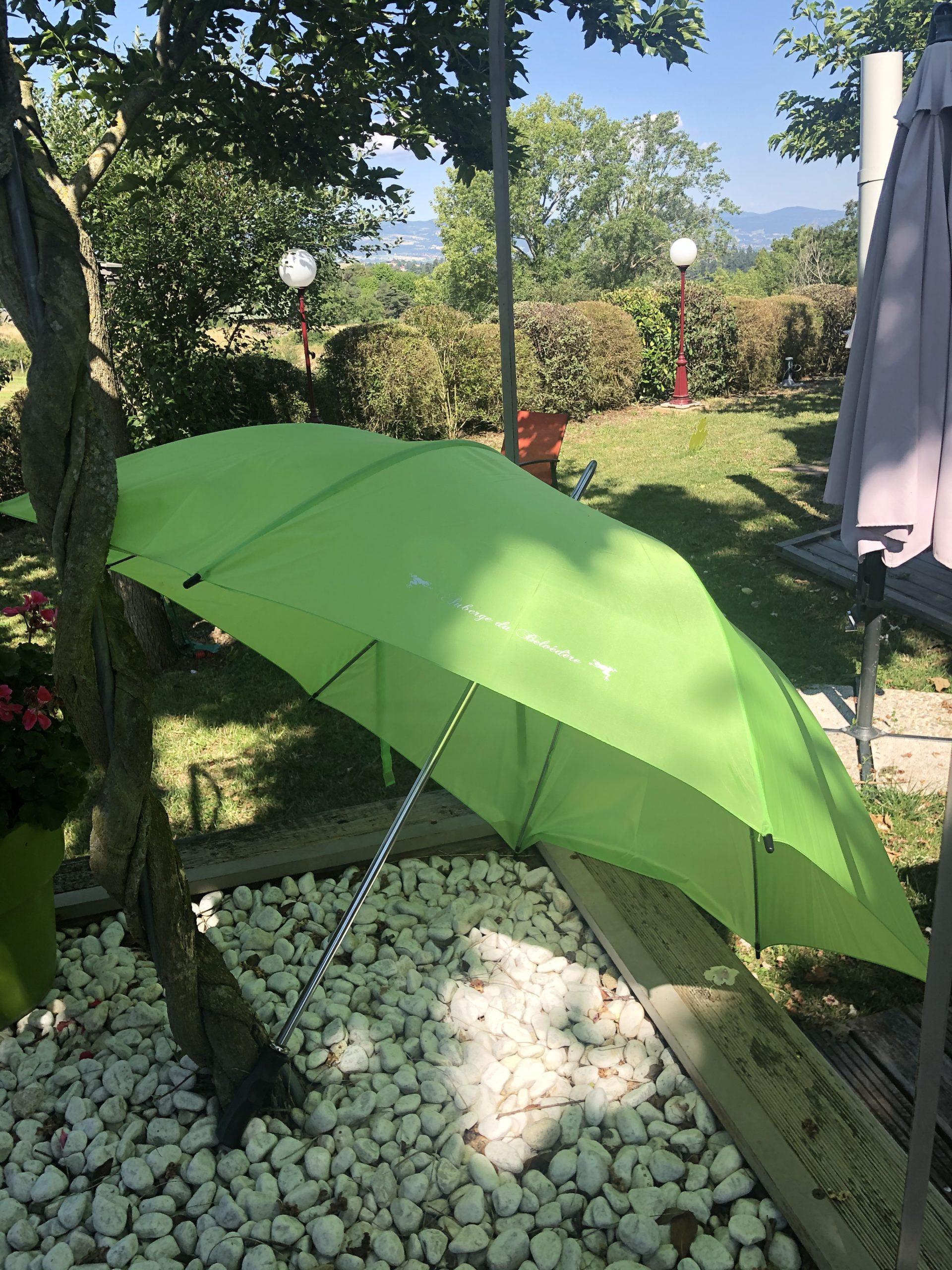 parapluie auberge du belvedere